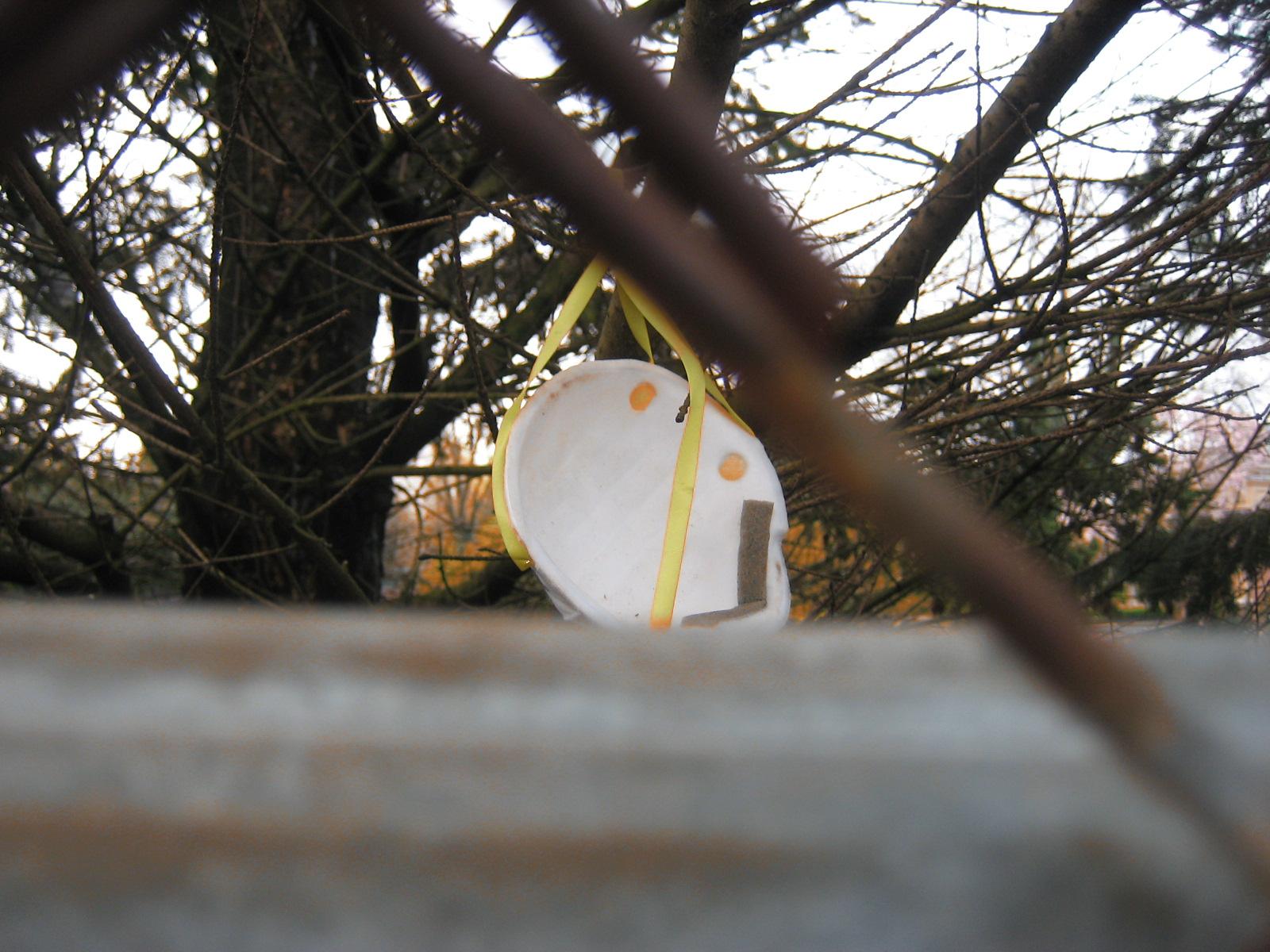 breathing mask fence