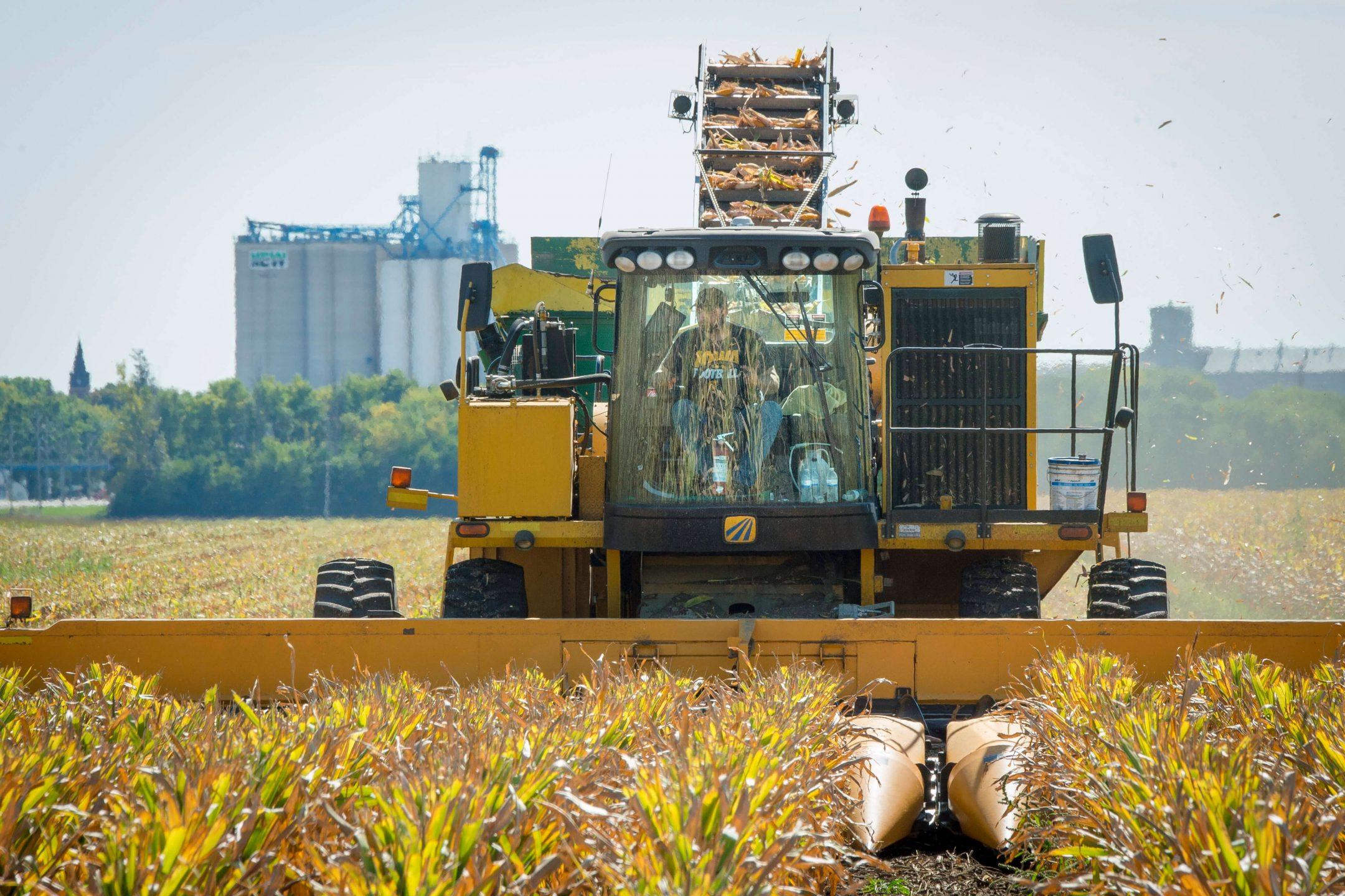 tractor farm Iowa